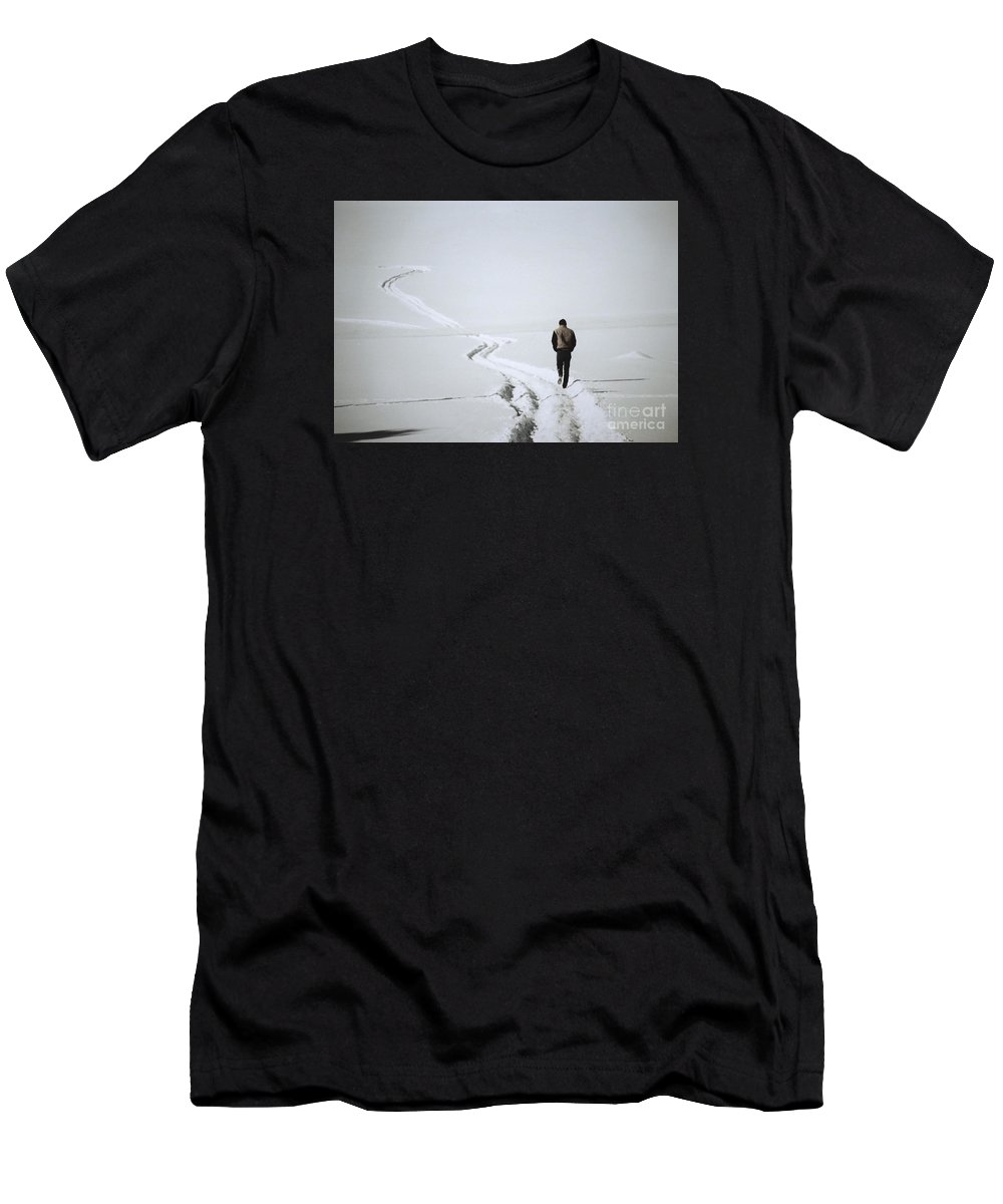 Landscape Men's T-Shirt (Athletic Fit) featuring the photograph Where To by Sharon Eng