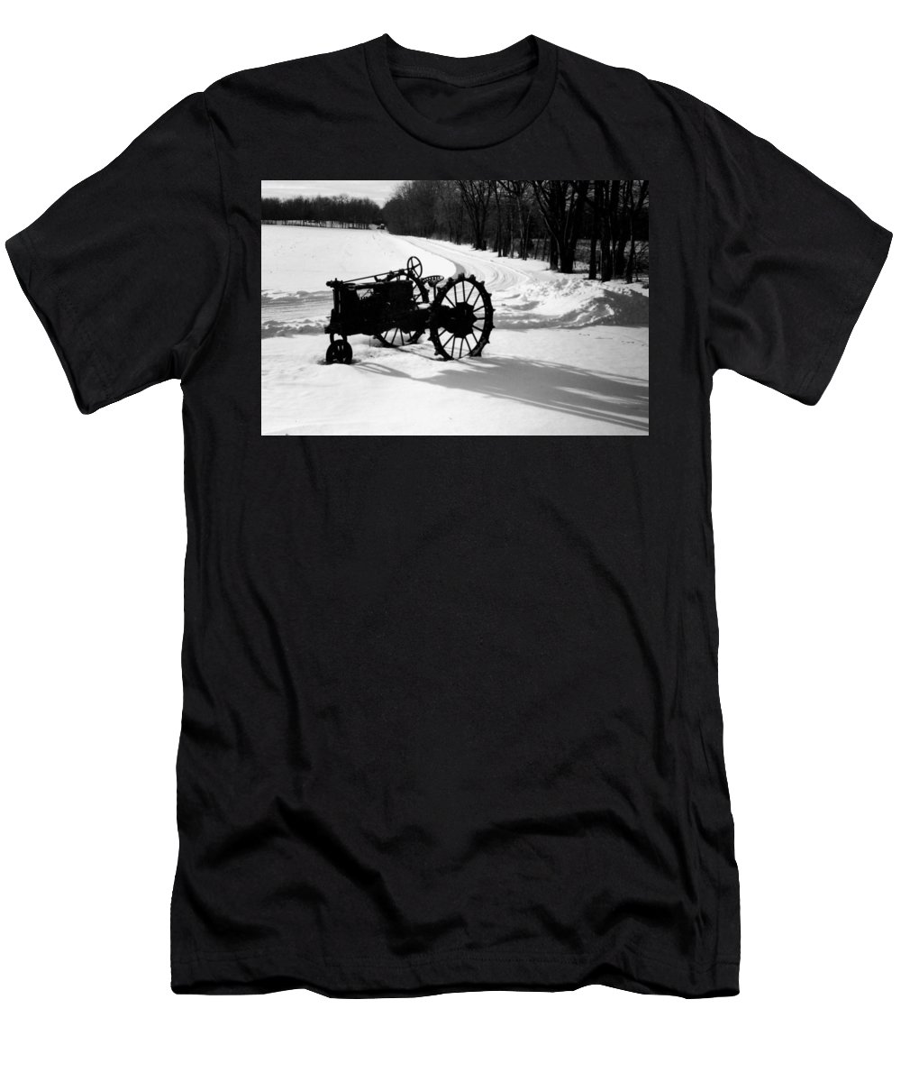 Rusty Relic Men's T-Shirt (Athletic Fit) featuring the photograph Willig Collection 5 by R John Ferguson