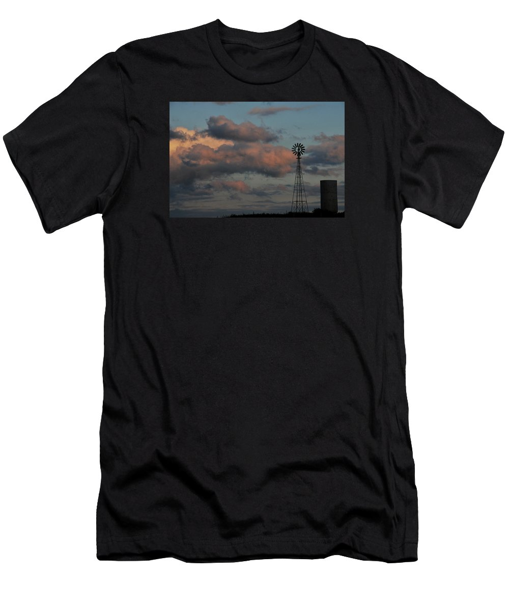 Windmill Men's T-Shirt (Athletic Fit) featuring the photograph Windmill And Tank At Dusk by David Arment