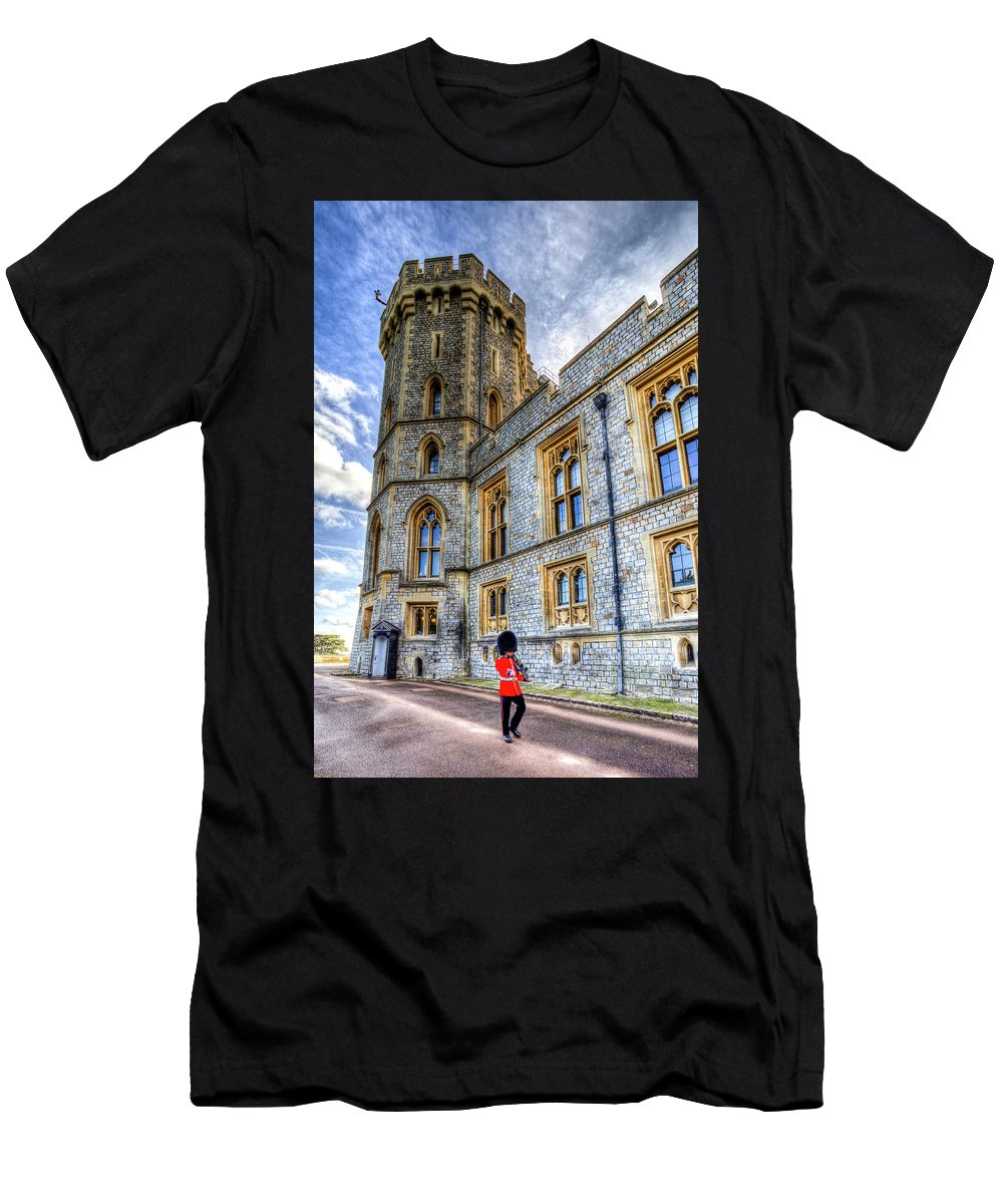 Windsor Castle Men's T-Shirt (Athletic Fit) featuring the photograph Windsor Castle And Coldstream Guard by David Pyatt
