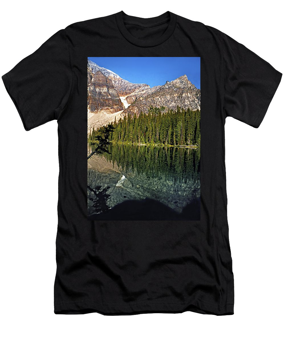 Canada Men's T-Shirt (Athletic Fit) featuring the photograph Yearnings by Steve Harrington