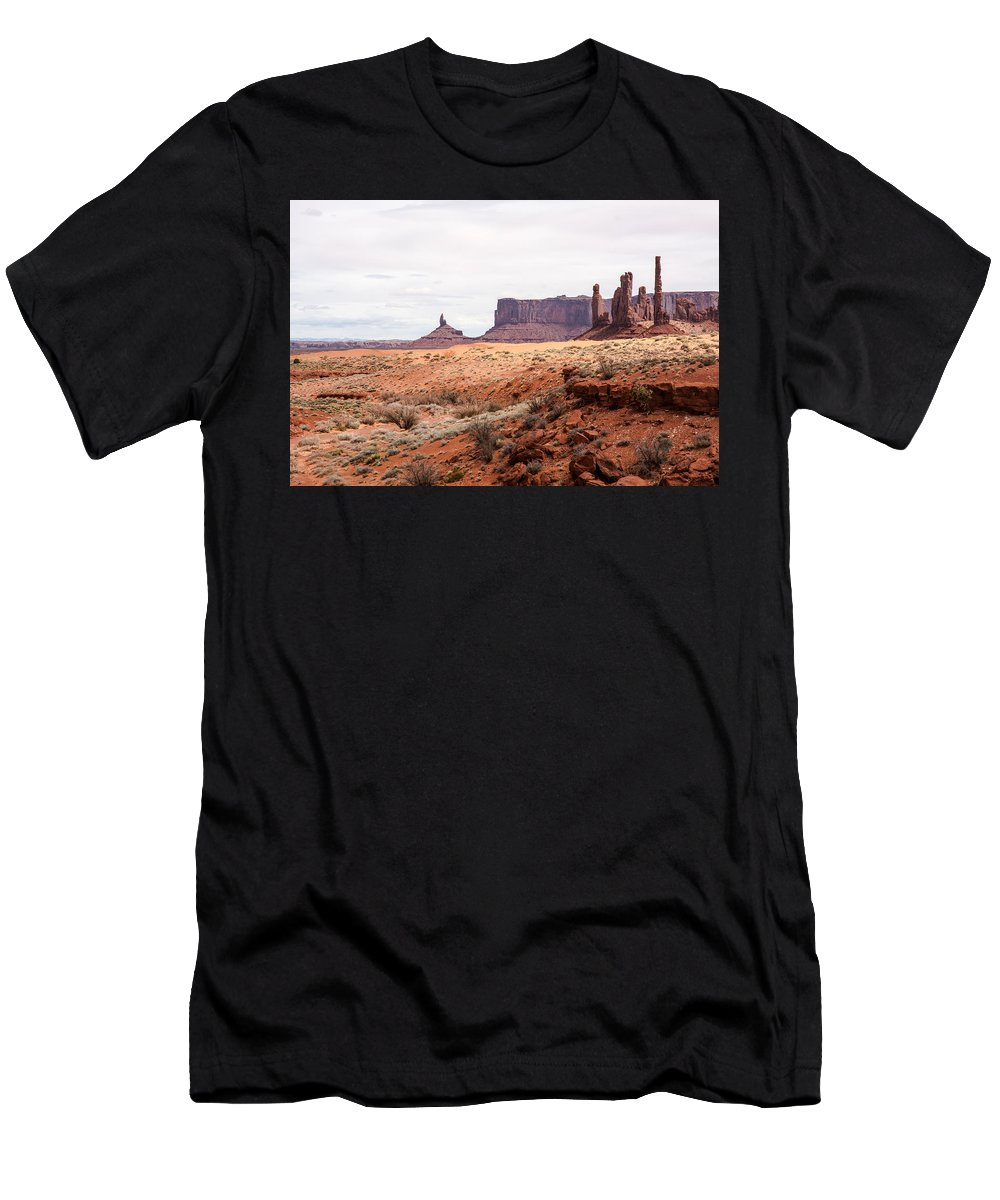 Scenic Landscapes Men's T-Shirt (Athletic Fit) featuring the photograph Yei Bi Chei And Totem Pole Formation by John Bartelt