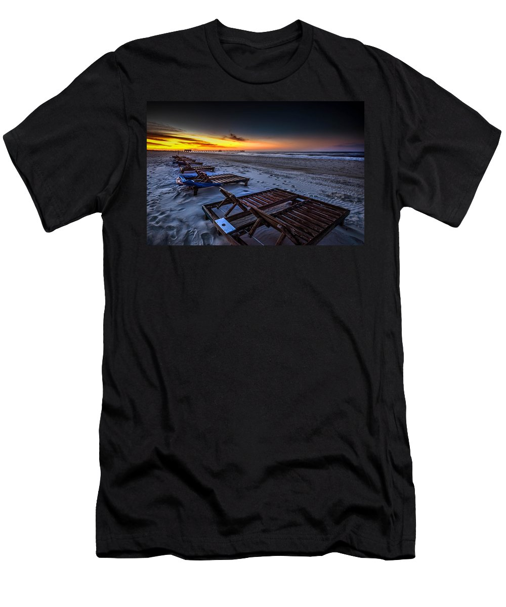 Alabama Men's T-Shirt (Athletic Fit) featuring the photograph Yellow Sunrise Beach Chairs by Michael Thomas