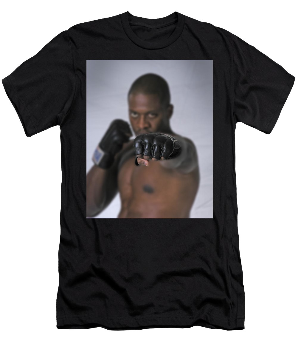 Fighter Men's T-Shirt (Athletic Fit) featuring the photograph Yes We Can by D'Arcy Evans