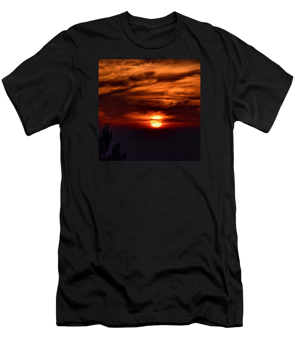 Sunset Men's T-Shirt (Athletic Fit) featuring the photograph Yucaipa Sunset by Tiffany Messer