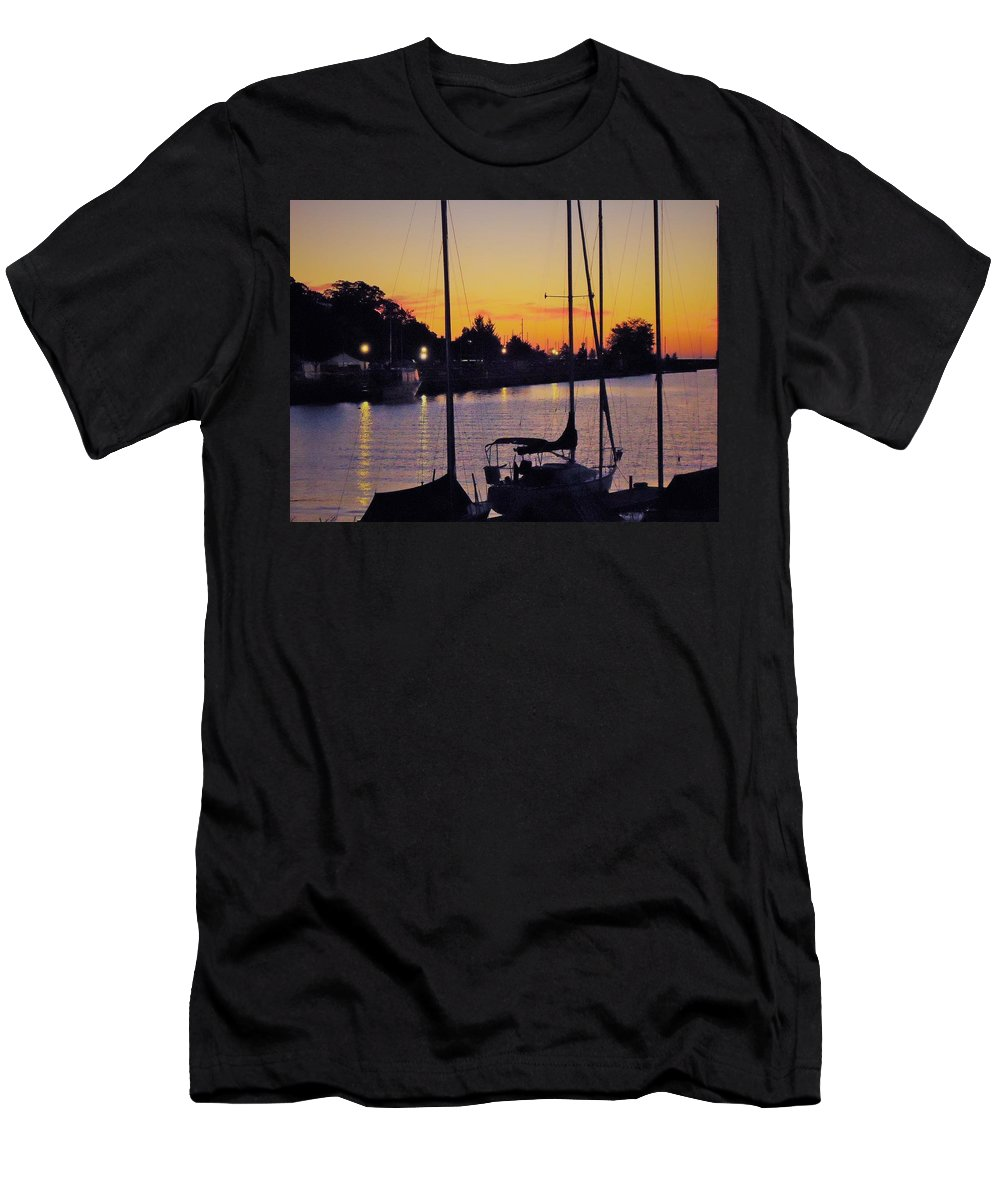 Sunset Men's T-Shirt (Athletic Fit) featuring the photograph Narrow Sunset by Katherine Taibl
