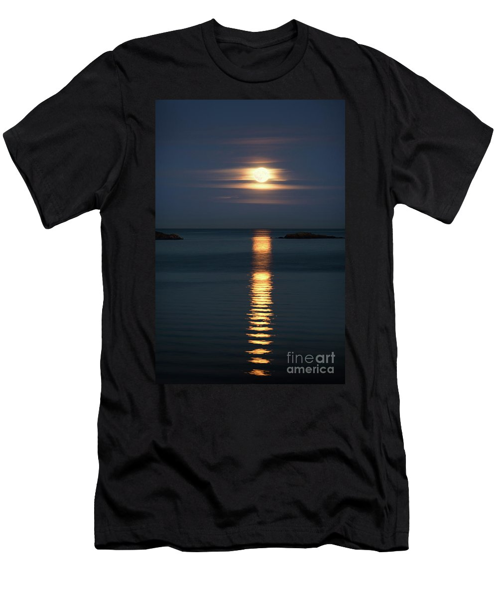 Moon Men's T-Shirt (Athletic Fit) featuring the photograph Rise Of The Full Harvest Moon Above Pacific Ocean by Awen Fine Art Prints