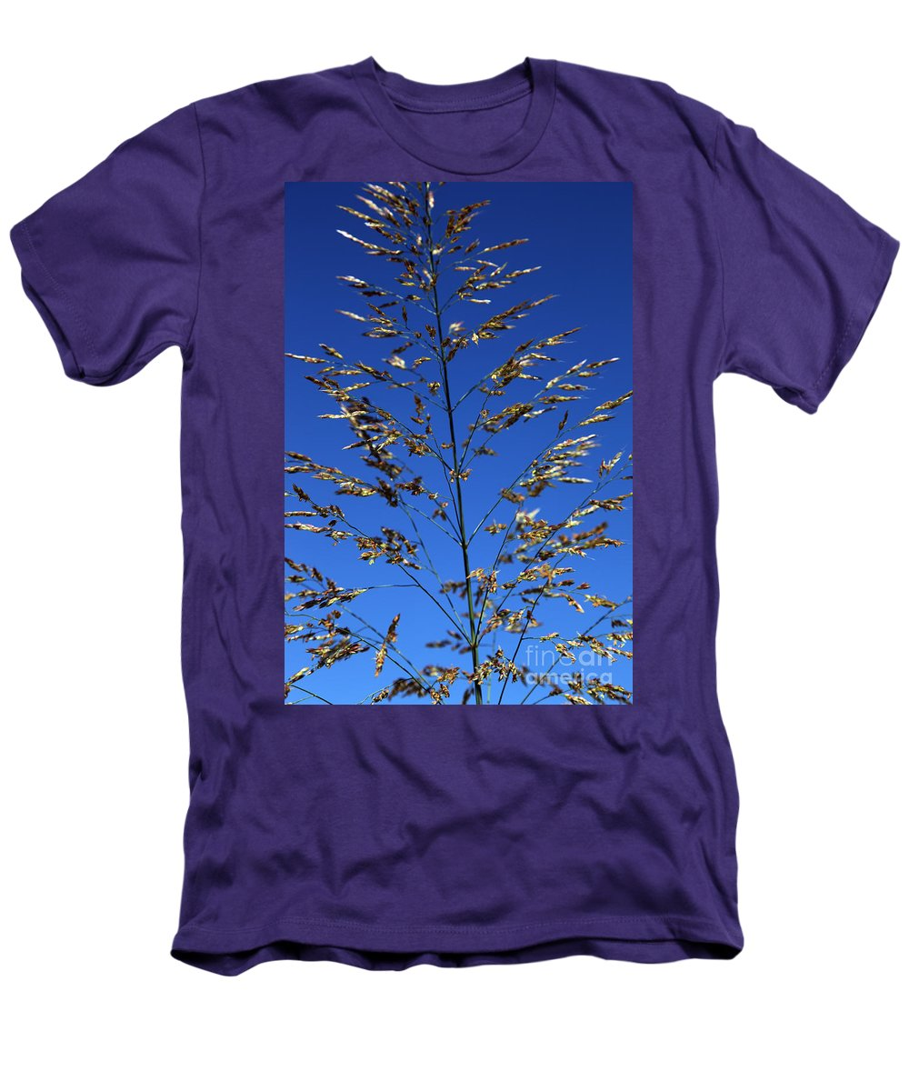 Nature Men's T-Shirt (Athletic Fit) featuring the photograph Making A Sound by Amanda Barcon