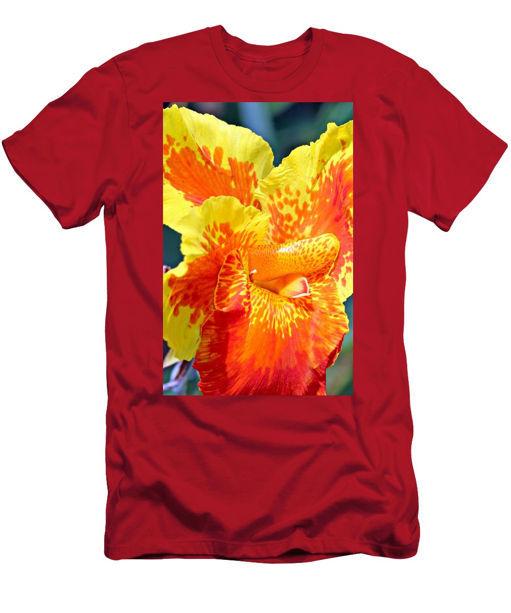 Canna Men's T-Shirt (Athletic Fit) featuring the photograph Cannas by Paul Fell