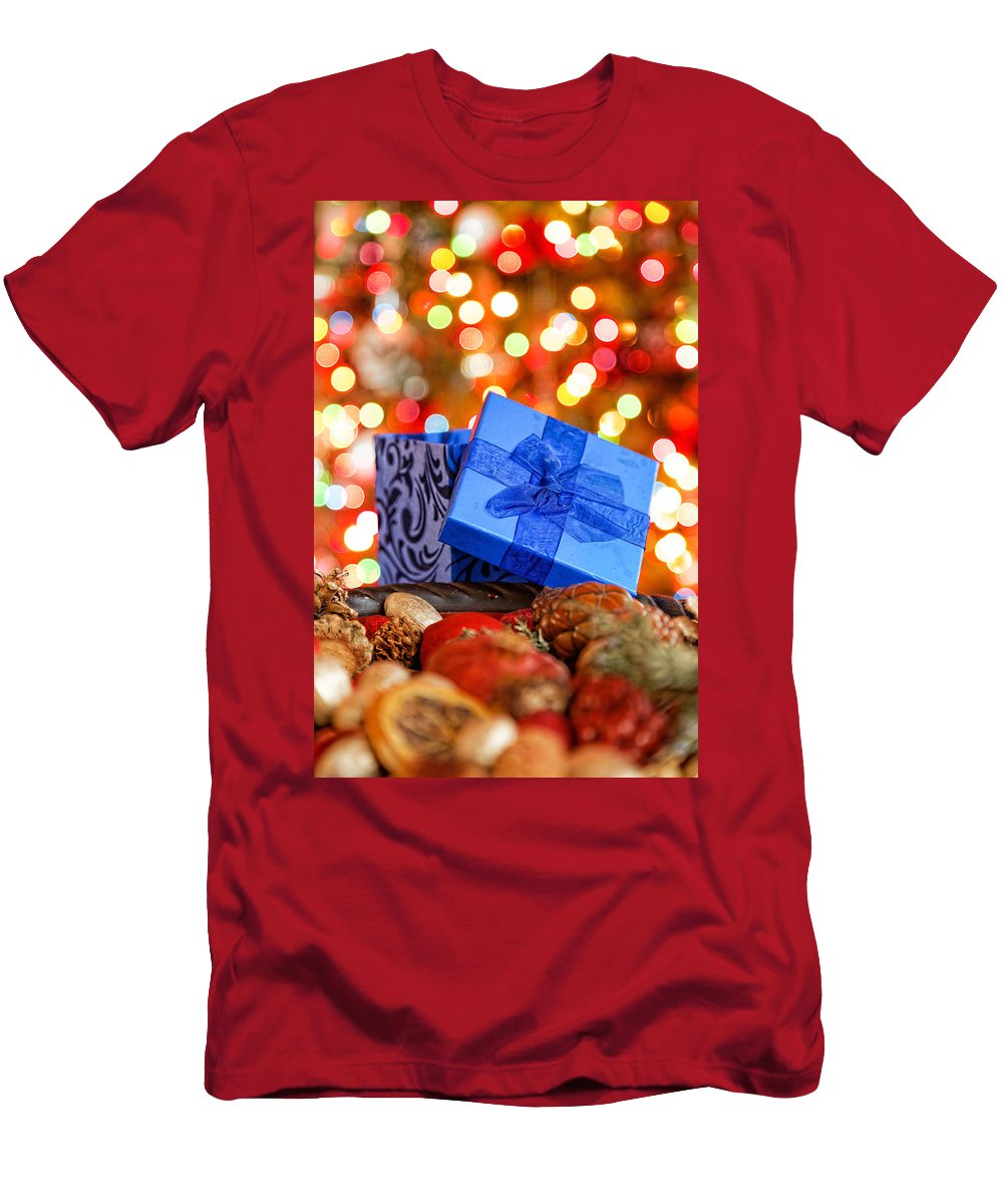 Background Men's T-Shirt (Athletic Fit) featuring the photograph Christmas Gift by Peter Lakomy