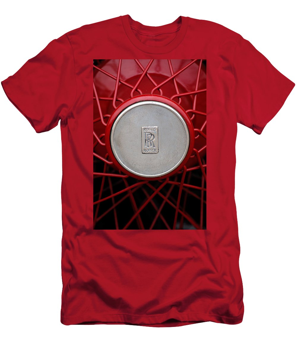 1928 Rolls-royce Phantom I Sedenca De Ville Wheel Emblem Men's T-Shirt (Athletic Fit) featuring the photograph 1928 Rolls-royce Phantom I Sedenca De Ville Wheel Emblem by Jill Reger