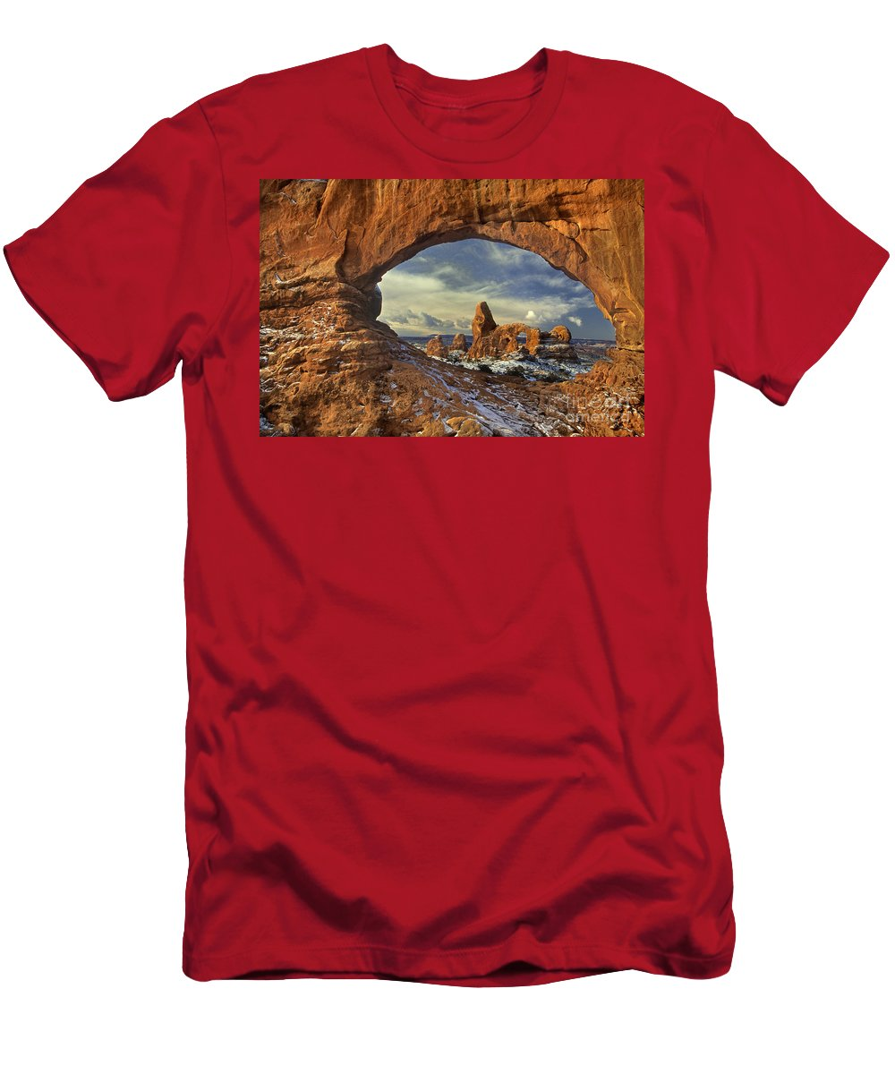 Dave Welling Men's T-Shirt (Athletic Fit) featuring the photograph 714000087 Turret Arch Arches National Park by Dave Welling