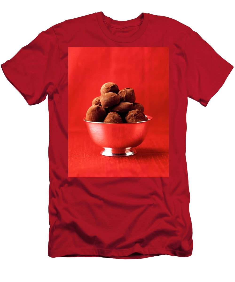 Cooking Men's T-Shirt (Athletic Fit) featuring the photograph A Bowl Of Truffles by Romulo Yanes