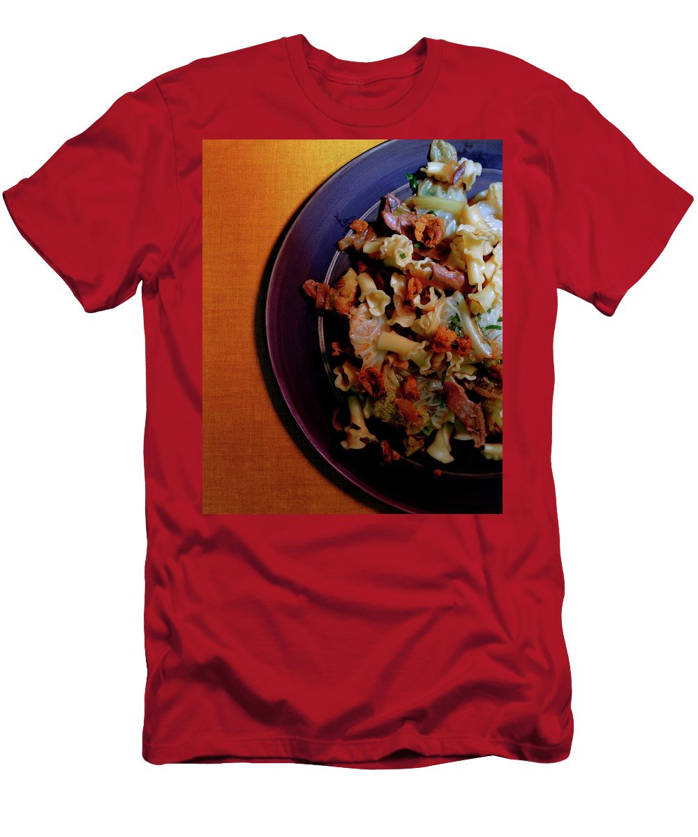 Cooking Men's T-Shirt (Athletic Fit) featuring the photograph A Plate Of Pasta by Romulo Yanes