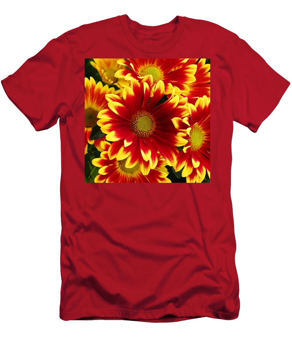 Flowers Men's T-Shirt (Athletic Fit) featuring the photograph Bold by David Pantuso