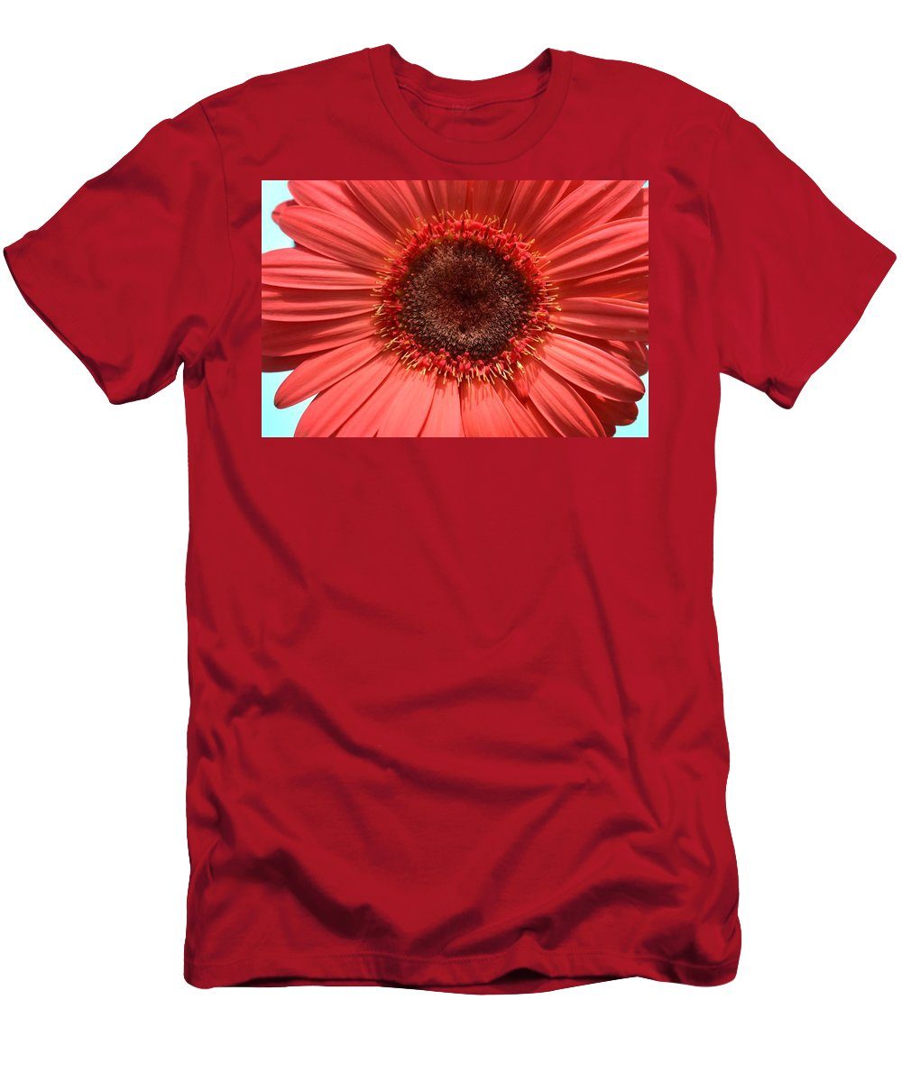 Flower Men's T-Shirt (Athletic Fit) featuring the photograph Dsc0091d by Kimberlie Gerner