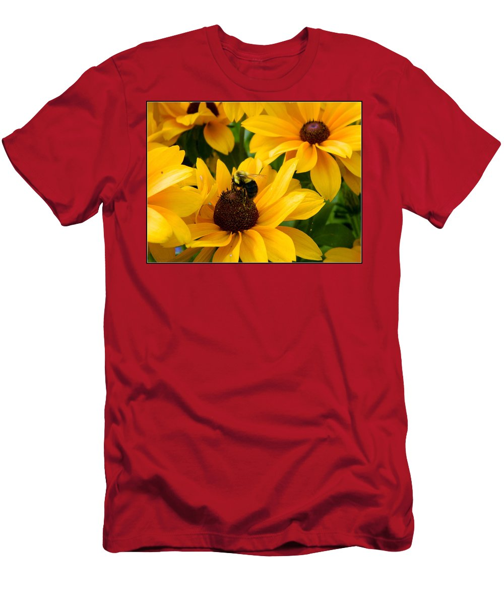 Bee Men's T-Shirt (Athletic Fit) featuring the photograph Mining Gold by Kathy Barney