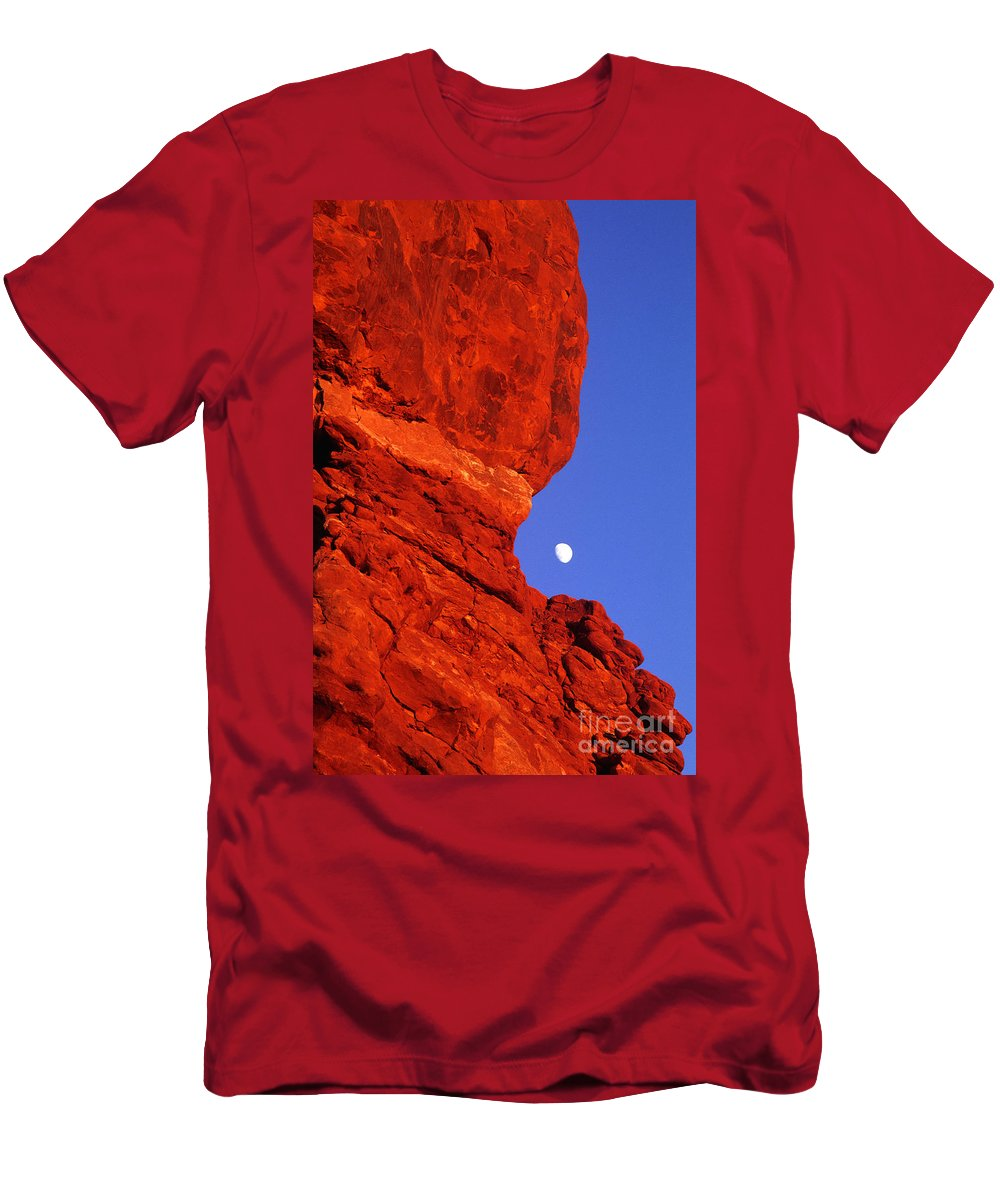 North America Men's T-Shirt (Athletic Fit) featuring the photograph Moonrise Balanced Rock Arches National Park Utah by Dave Welling