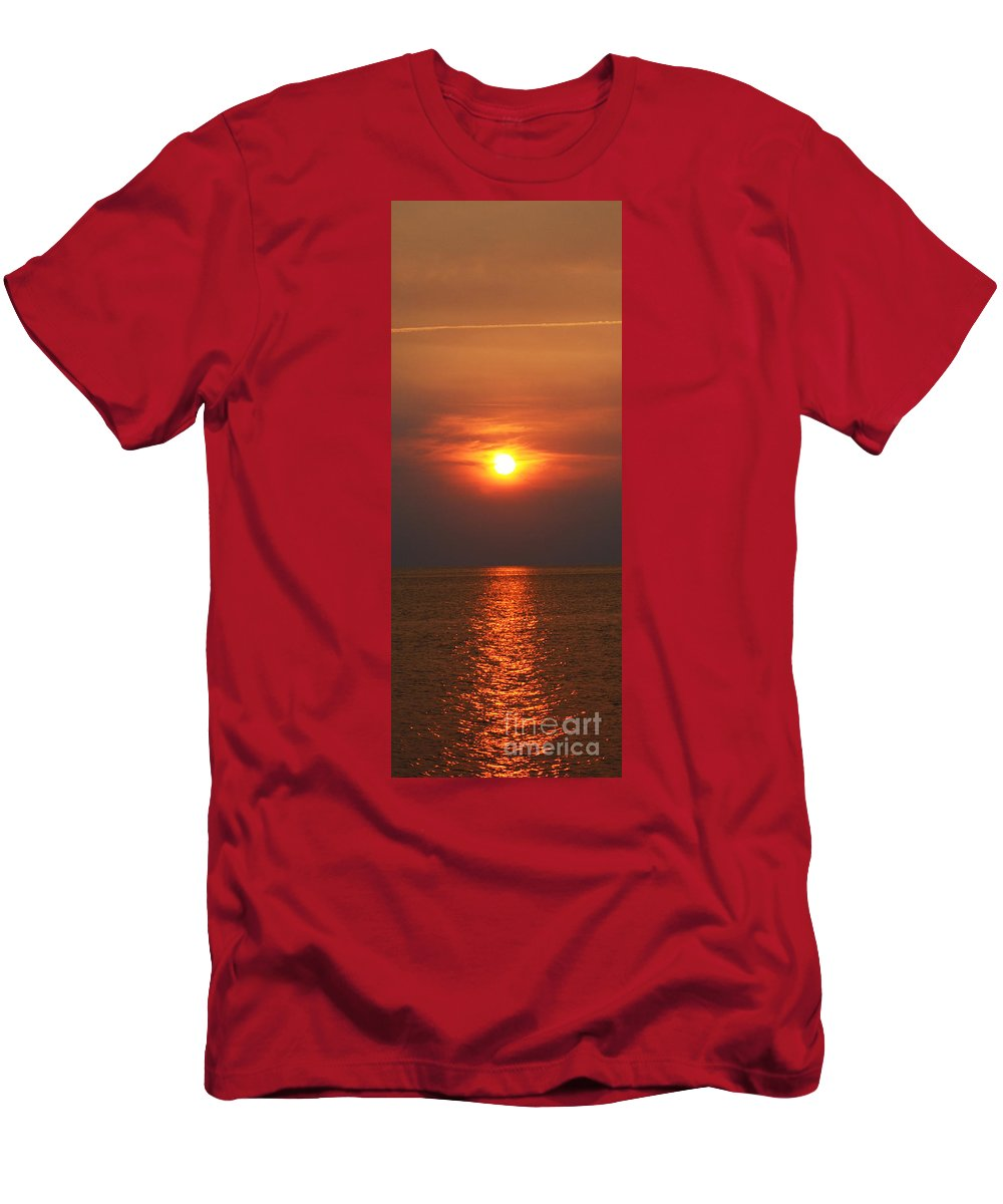 Hatteras Men's T-Shirt (Athletic Fit) featuring the photograph Outer Banks Sunset by Tony Cooper