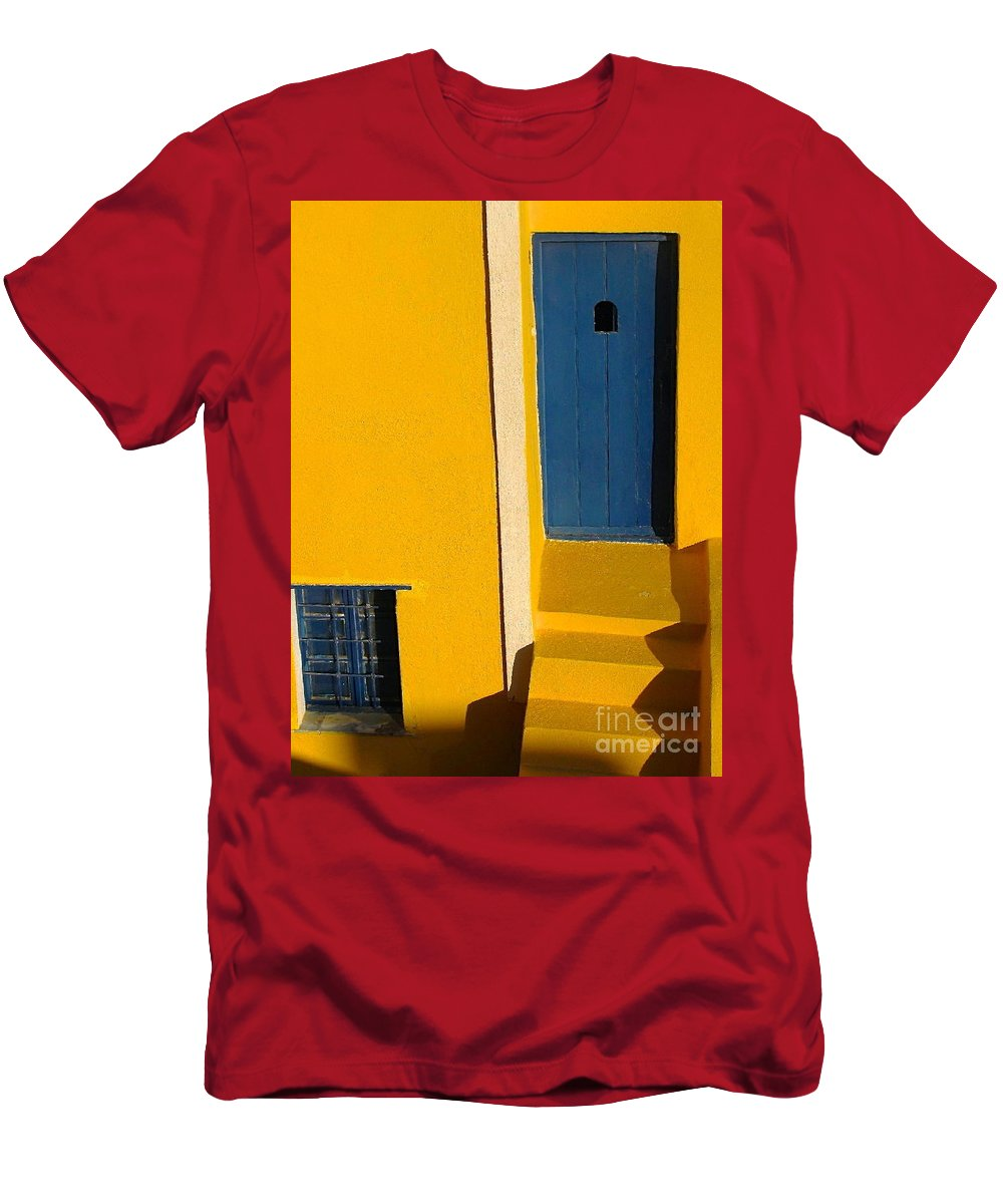 Oia Men's T-Shirt (Athletic Fit) featuring the photograph Santorini Doorway by Suzanne Oesterling