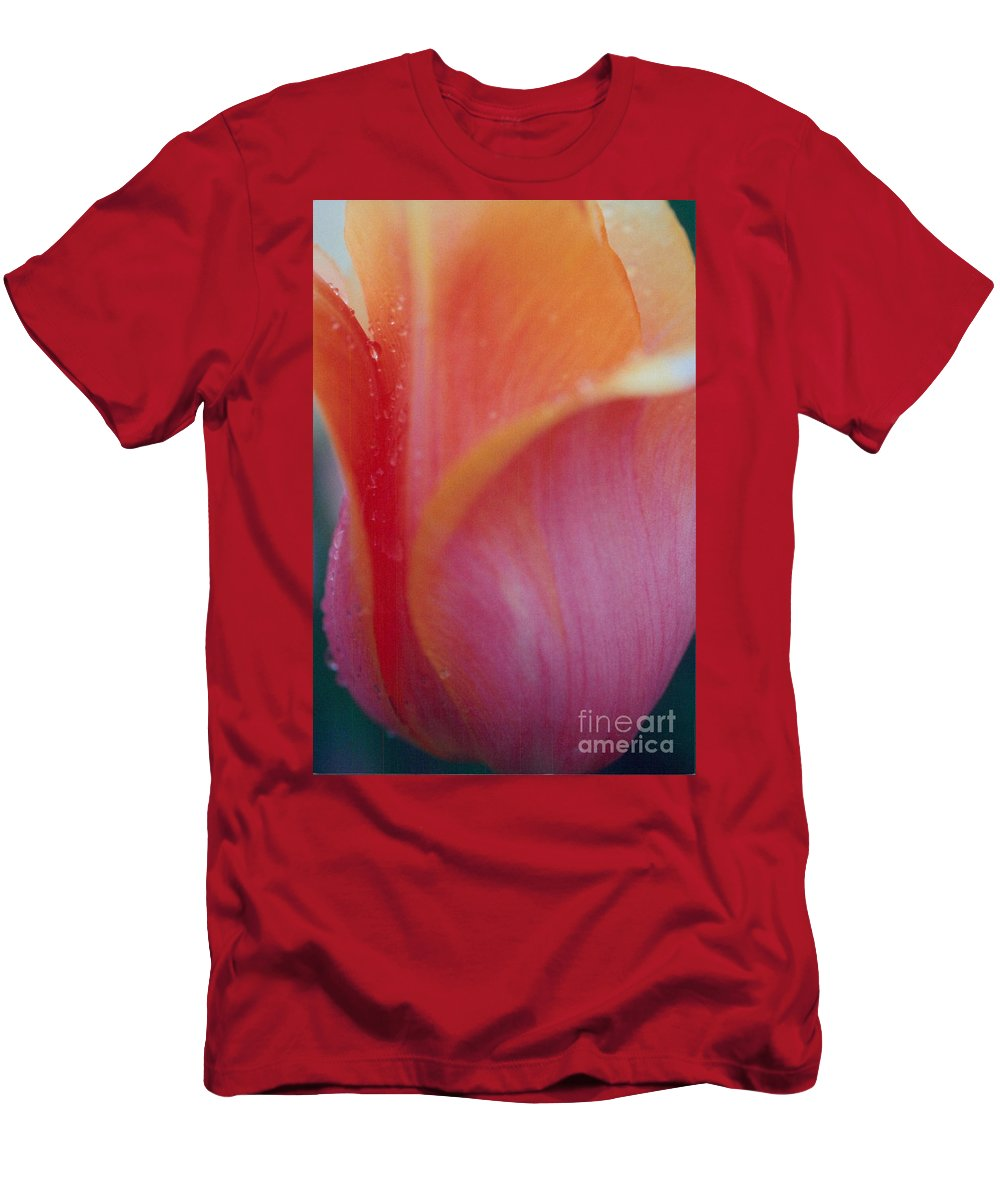 Tulips Men's T-Shirt (Athletic Fit) featuring the photograph Shades Of Pink by Jeffery L Bowers