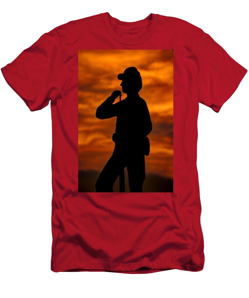 Civil War Men's T-Shirt (Athletic Fit) featuring the photograph Sky Fire - Flames Of Battle 7th Pennsylvania Reserve Volunteer Infantry-a1 Sunset Antietam by Michael Mazaika
