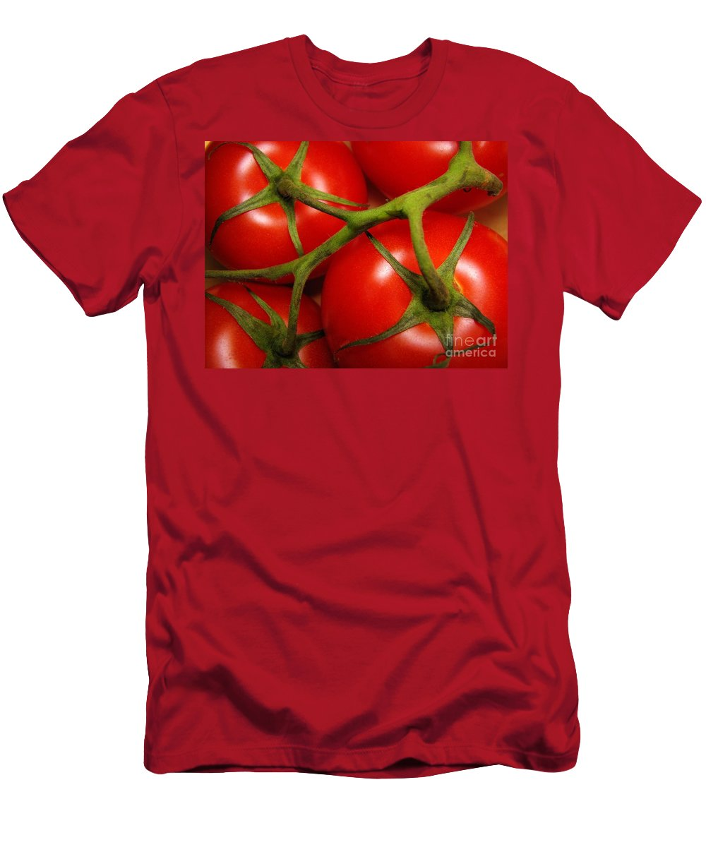 Vine Men's T-Shirt (Athletic Fit) featuring the photograph Vine Ripe by Peggy Hughes