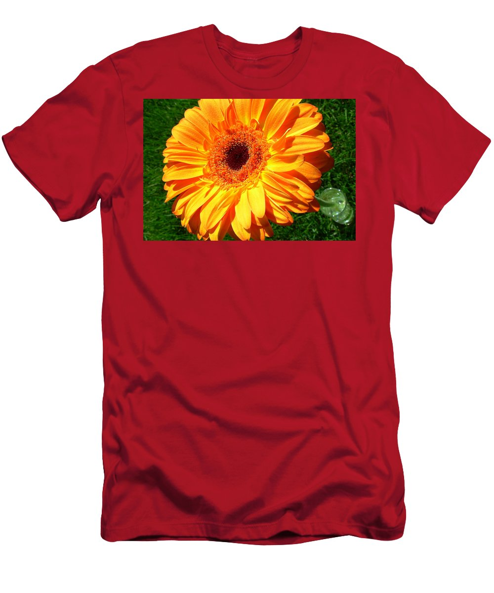 Gerbera Photographs Men's T-Shirt (Athletic Fit) featuring the photograph 3412-002 by Kimberlie Gerner