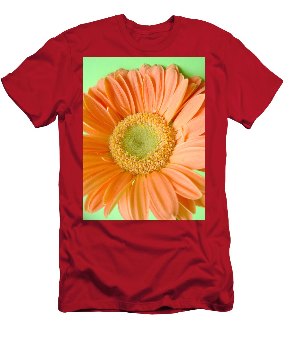 Gerbera Photographs Men's T-Shirt (Athletic Fit) featuring the photograph 93721a1 by Kimberlie Gerner