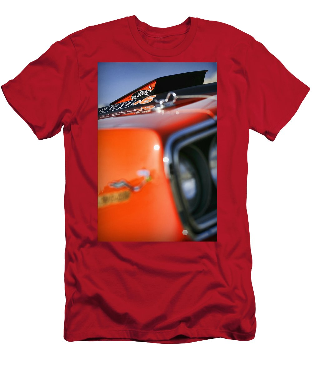 1970 Men's T-Shirt (Athletic Fit) featuring the photograph Air Grabber by Gordon Dean II