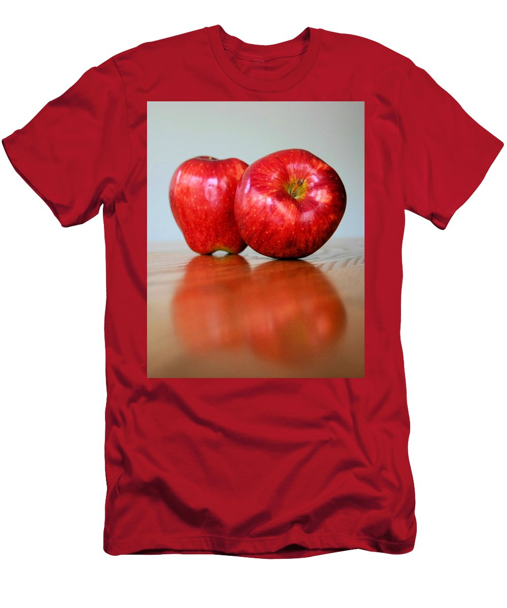 Apple Men's T-Shirt (Athletic Fit) featuring the photograph Delicious by Kristin Elmquist