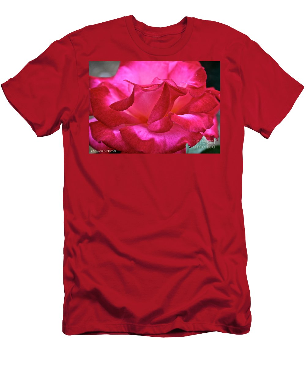 Outdoors Men's T-Shirt (Athletic Fit) featuring the photograph Dick Clark by Susan Herber