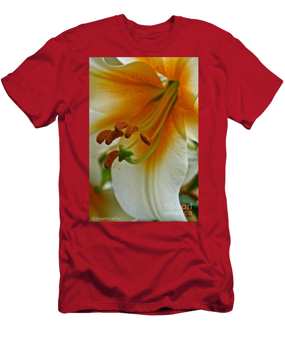 Outdoors Men's T-Shirt (Athletic Fit) featuring the photograph Orange Interior by Susan Herber