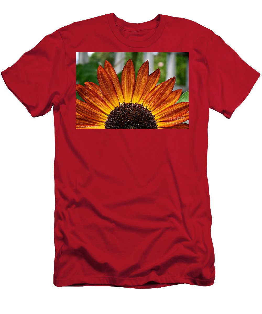 Outdoors Men's T-Shirt (Athletic Fit) featuring the photograph Sunrise Floral by Susan Herber