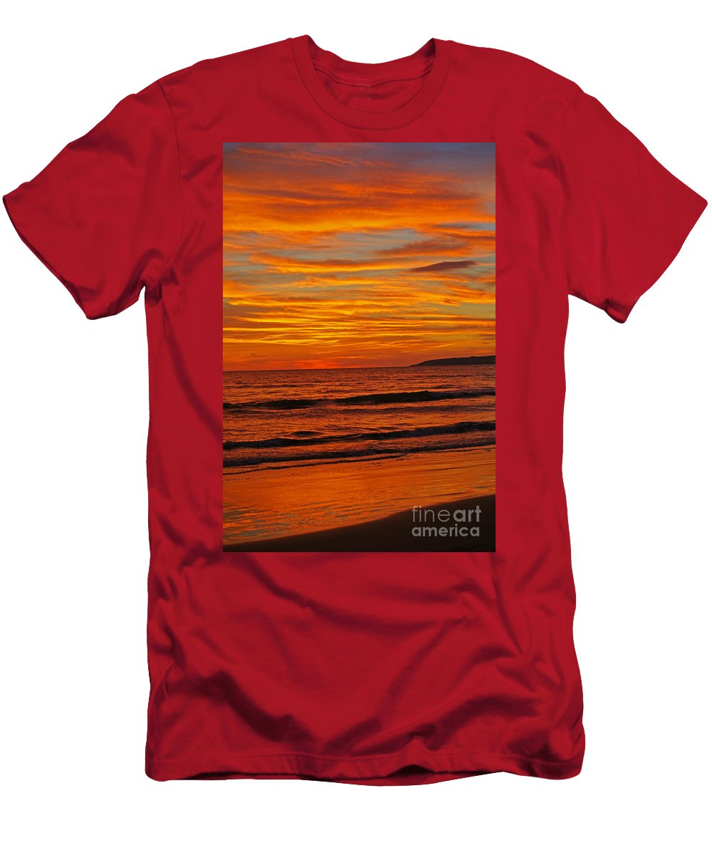 Mexico Men's T-Shirt (Athletic Fit) featuring the photograph Sunset Colours by Randy Harris