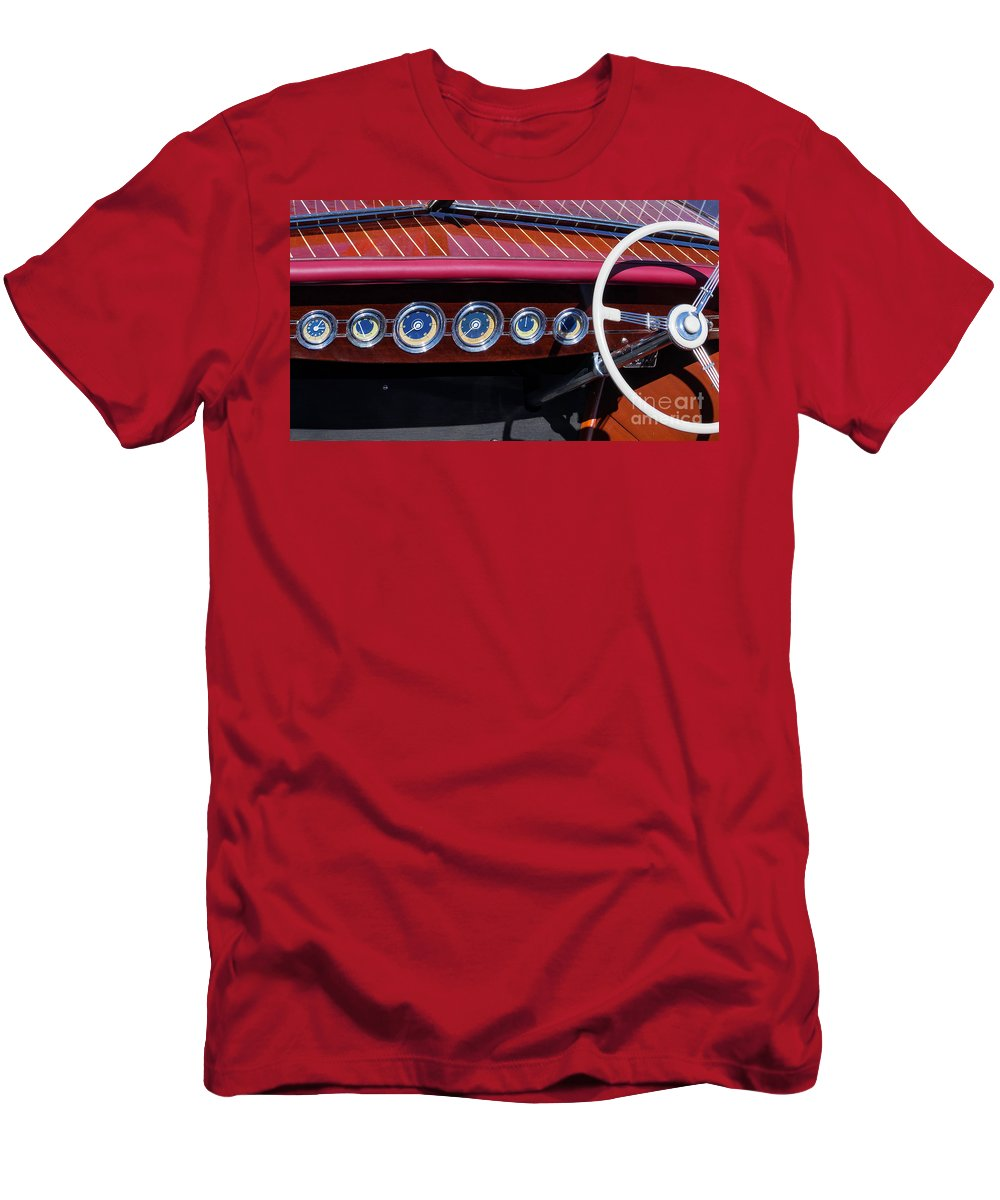 Antique Men's T-Shirt (Athletic Fit) featuring the photograph Dialed In by Joe Geraci