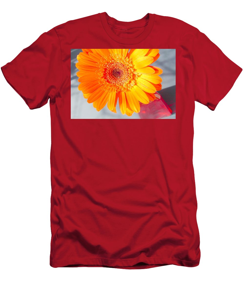 Gerbera Photographs Men's T-Shirt (Athletic Fit) featuring the photograph 1565c-004 by Kimberlie Gerner
