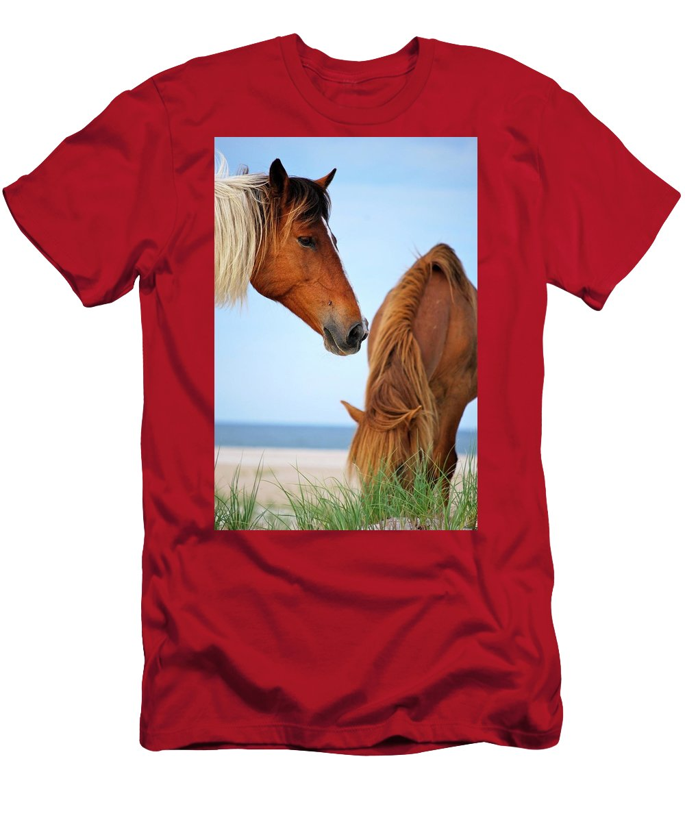 Horse Men's T-Shirt (Athletic Fit) featuring the photograph Food Time by Michael Mathis