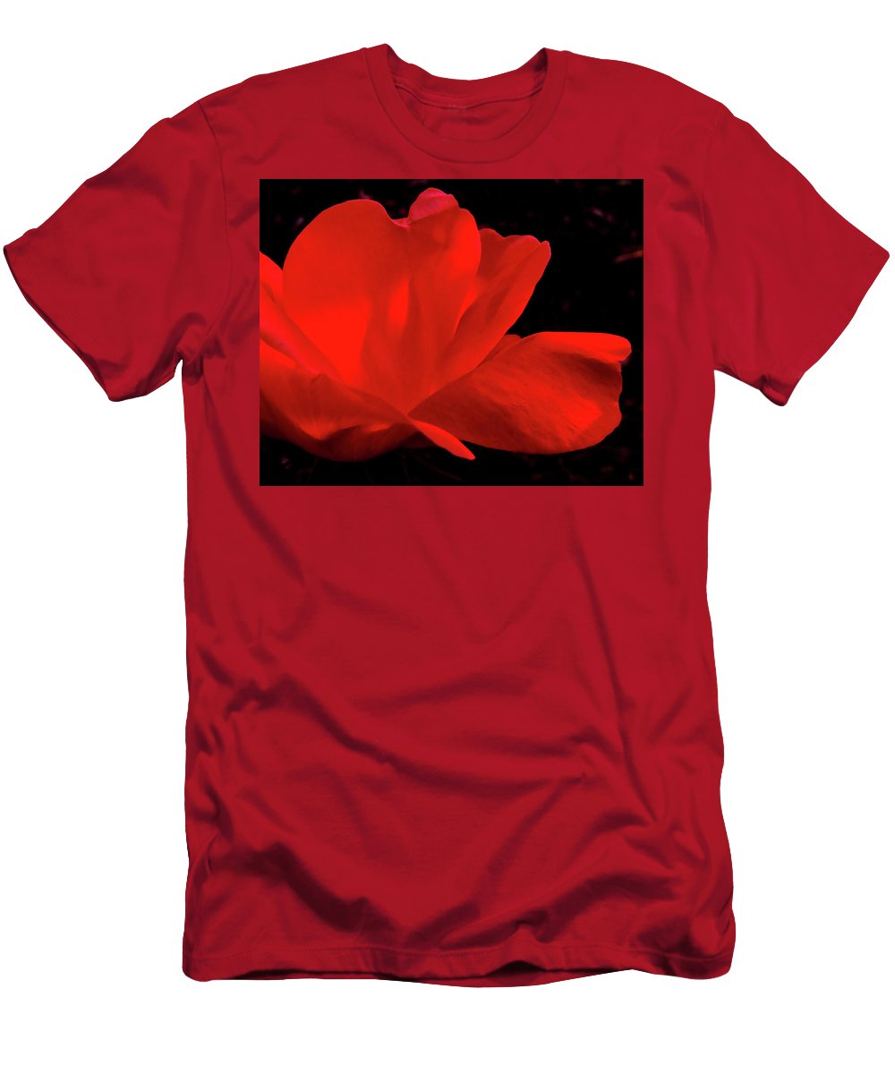 Rose Men's T-Shirt (Athletic Fit) featuring the photograph Knockout by Peg Urban