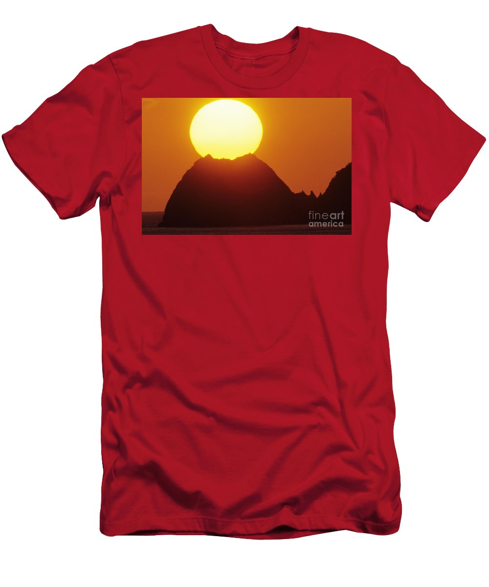 Beautiful Men's T-Shirt (Athletic Fit) featuring the photograph Manzanillo Sunset by Larry Dale Gordon - Printscapes