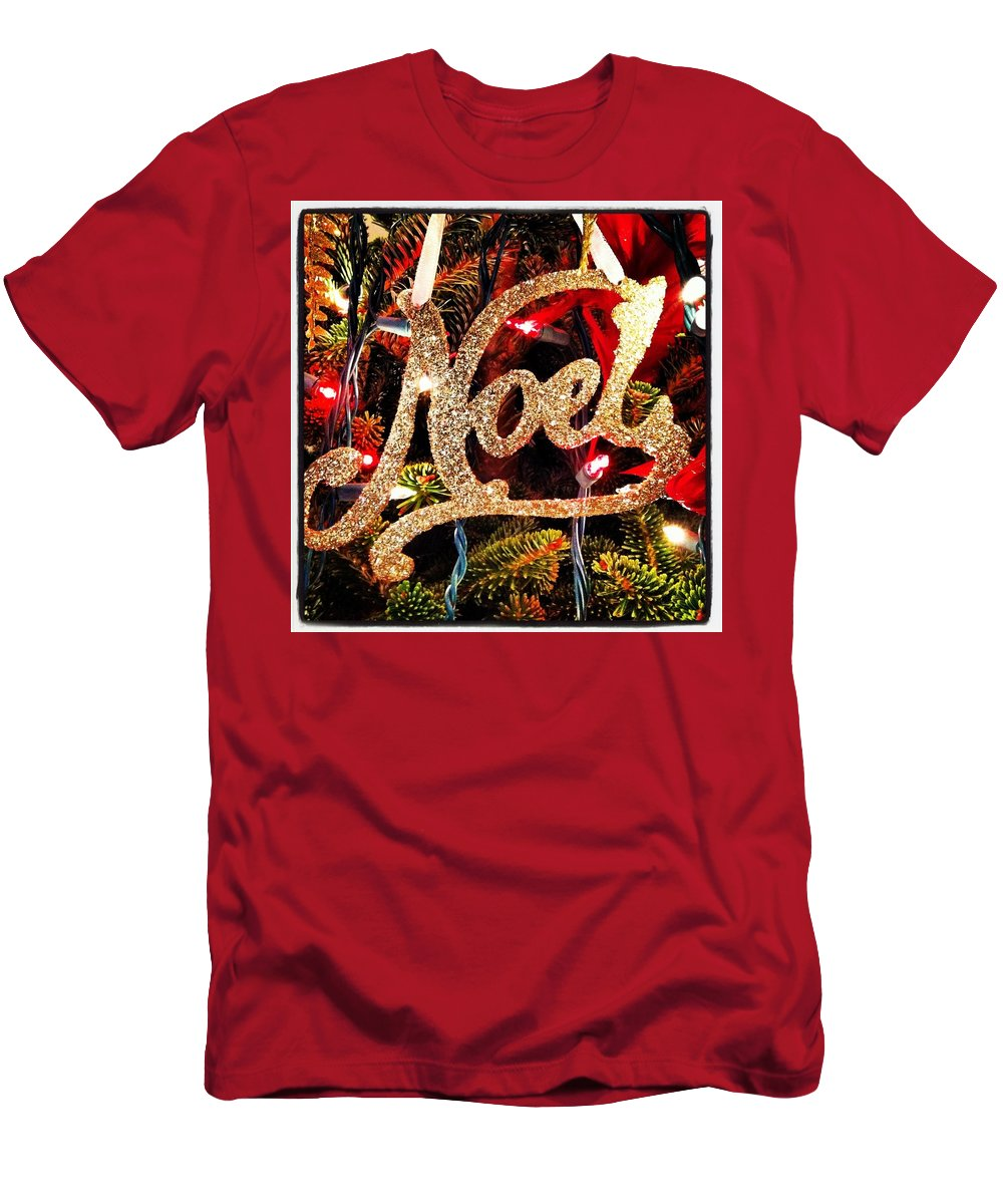 Noel Ornament Men's T-Shirt (Athletic Fit) featuring the photograph Noel Ornament by Artie Rawls