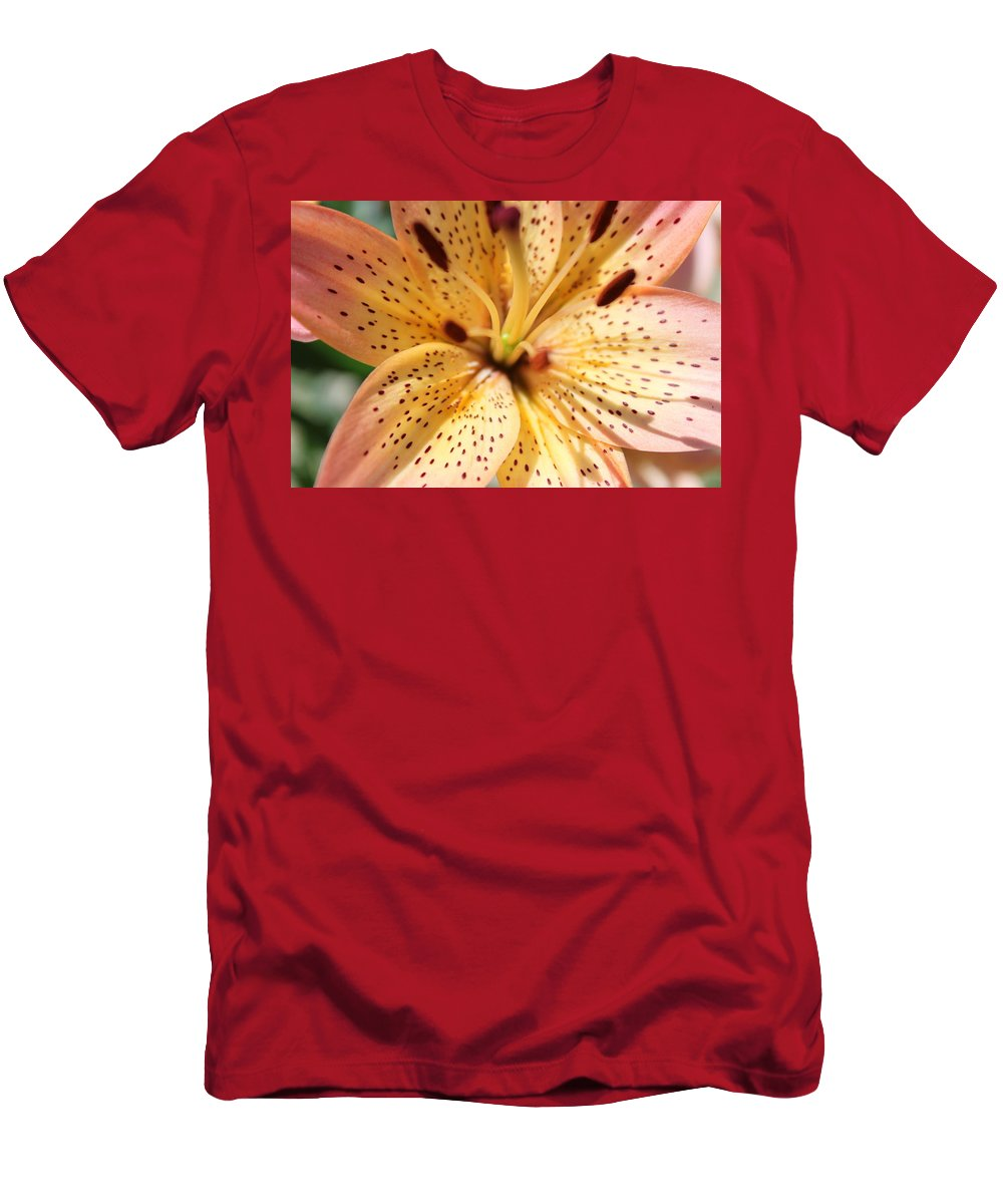 Lilly Men's T-Shirt (Athletic Fit) featuring the photograph Pink Spotted Lilly by Lauri Novak