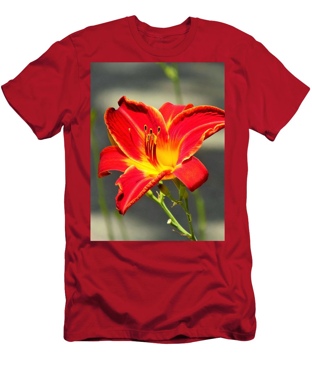 Red Men's T-Shirt (Athletic Fit) featuring the photograph Red Lilly by Sarah Barba