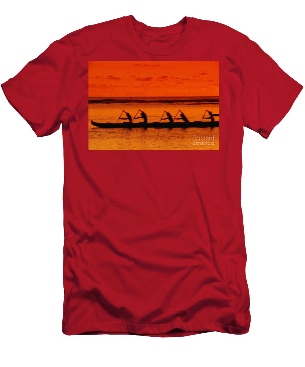Blur Men's T-Shirt (Athletic Fit) featuring the photograph Side View Of Paddlers by Joe Carini - Printscapes