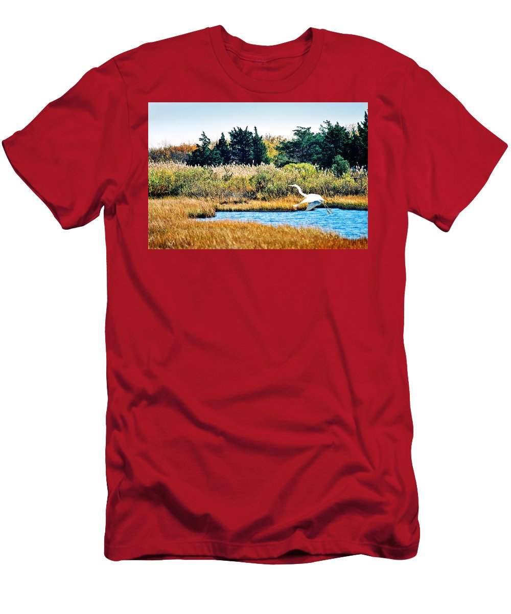 Landscape Men's T-Shirt (Athletic Fit) featuring the photograph Snowy Egret-island Beach State Park N.j. by Steve Karol