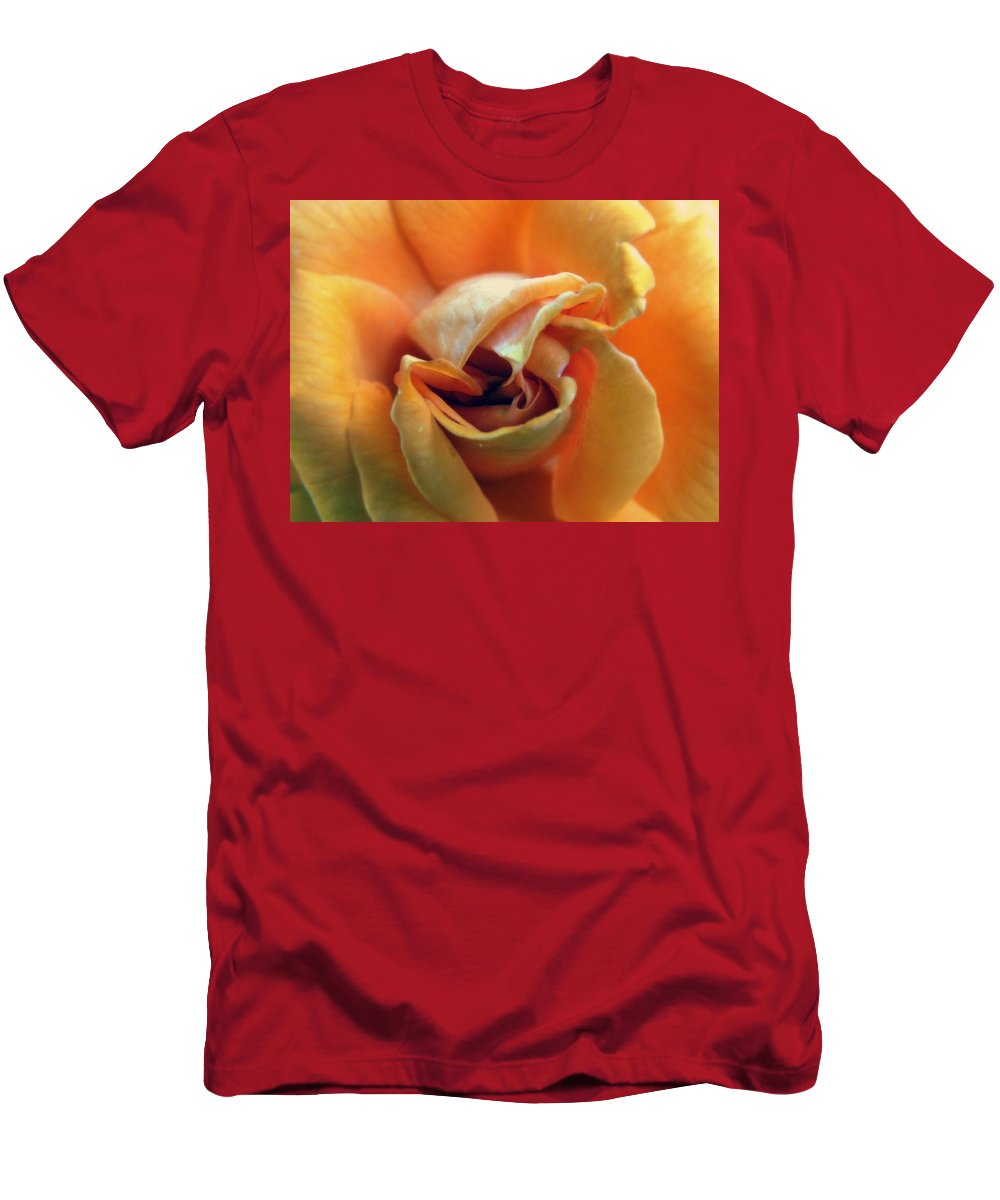 Rose Men's T-Shirt (Athletic Fit) featuring the photograph Sweet Seduction by Karen Wiles