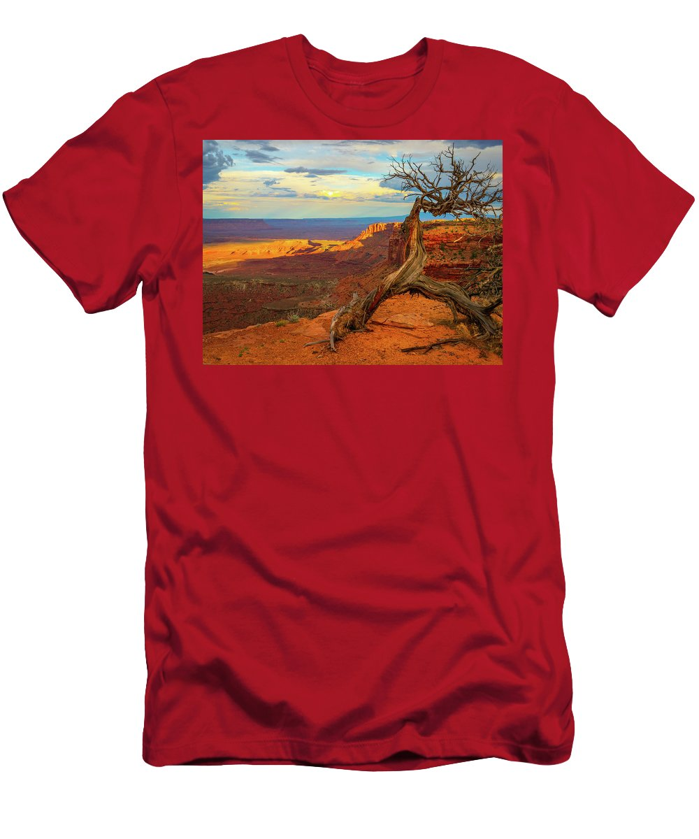 Arches Men's T-Shirt (Athletic Fit) featuring the photograph Time by Aaron Geraud