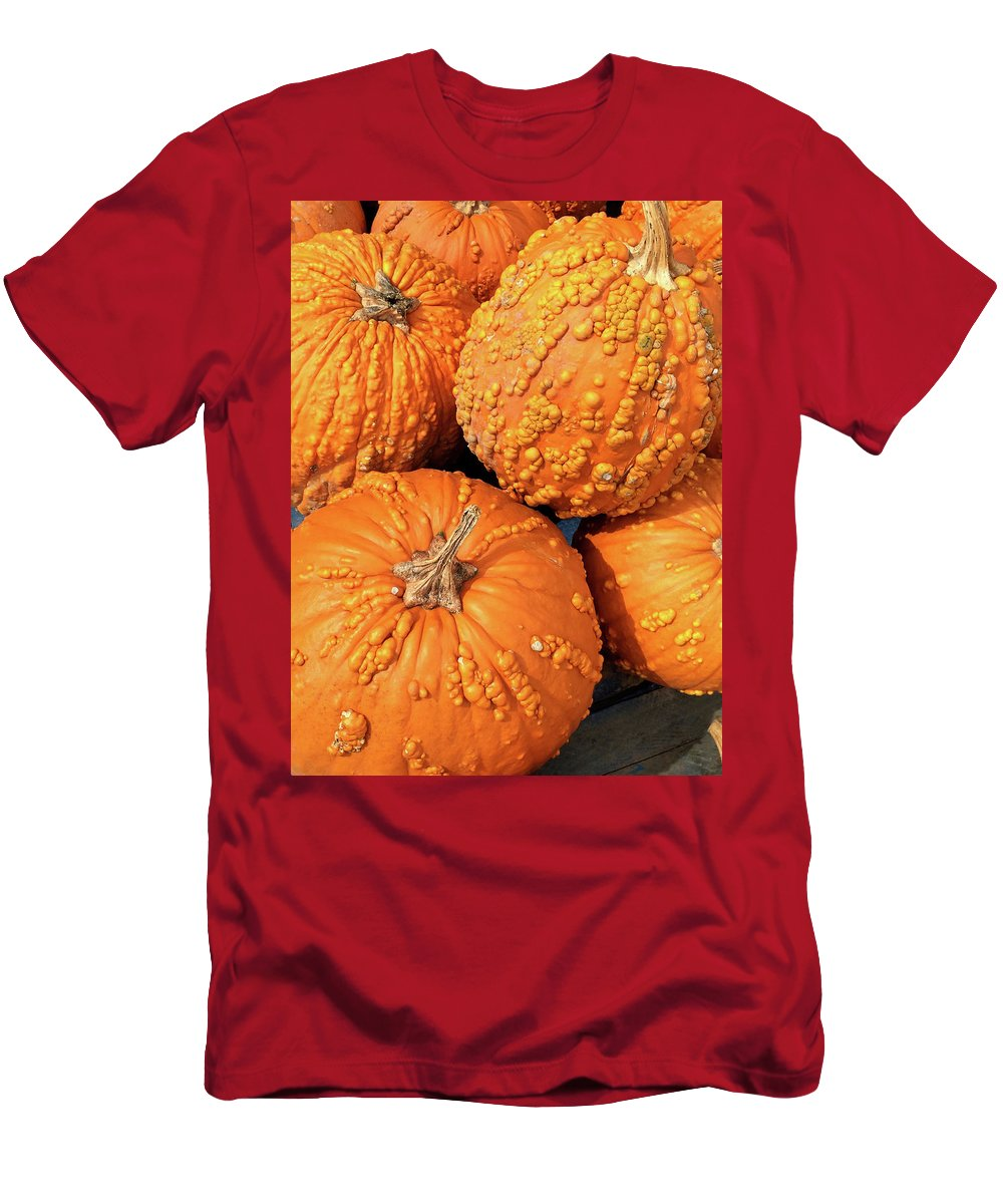Pumpkins Men's T-Shirt (Athletic Fit) featuring the photograph Lanterns-in-waiting by David Gaynor