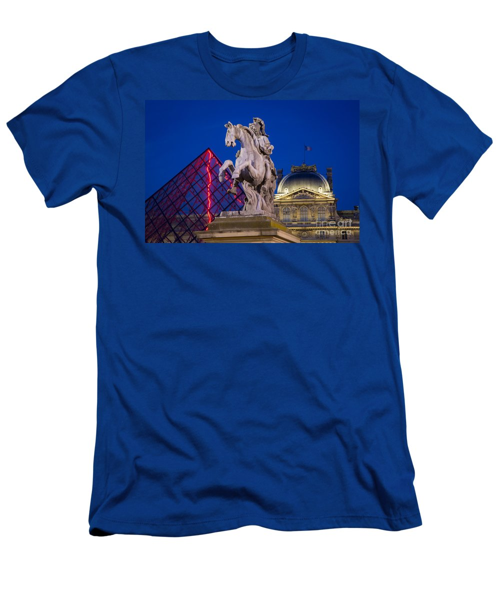 Architectural Men's T-Shirt (Athletic Fit) featuring the photograph Musee Du Louvre Statue by Brian Jannsen