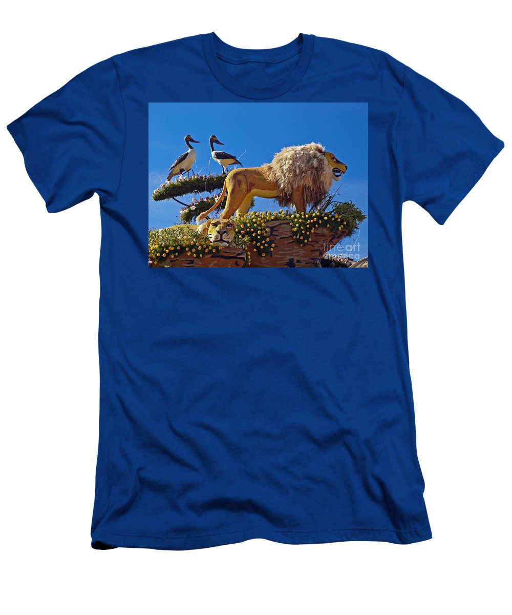 2014 Rose Parade Men's T-Shirt (Athletic Fit) featuring the photograph Rose Parade by Howard Stapleton
